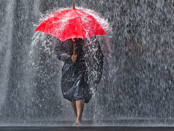 Maltempo sulla Toscana. Codice giallo per piogge e vento fino a sabato