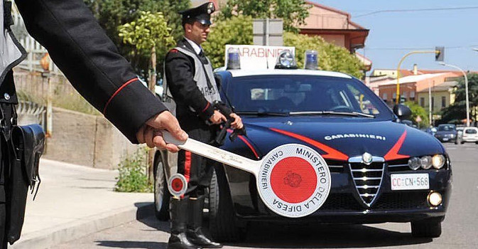 Sicilia, festeggia il Capodanno sparando con fucile a canne mozze: arrestato