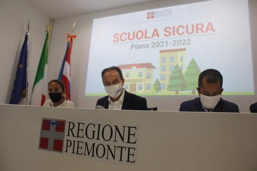 """Scuola sicura tra vaccini, nuovi bus e tamponi gratis. Cirio: """"Obiettivo lezioni in presenza"""""""