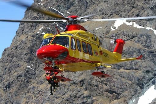 Alpinista cade in un crepaccio sopra Riva Valdobbia, è grave