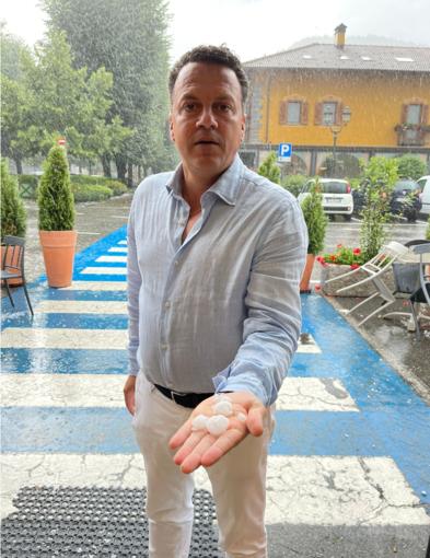 Violenta grandinata su Varallo - VIDEO