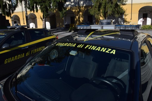 Guardia di Finanza di Vercelli sequestra merce per 15mila euro