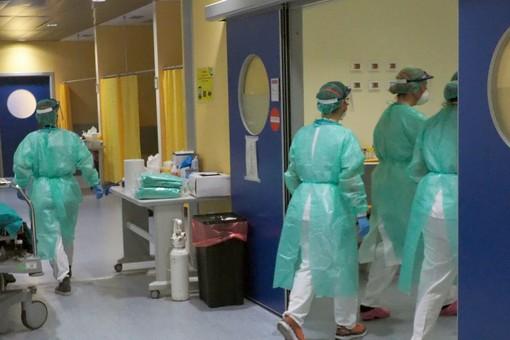 Coronavirus, 4 guariti in più nel Vercellese. Sei nuovi decessi