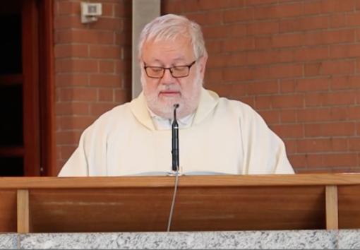 Don Renzo Delcorno, parroco di San Bernardo a Gattinara