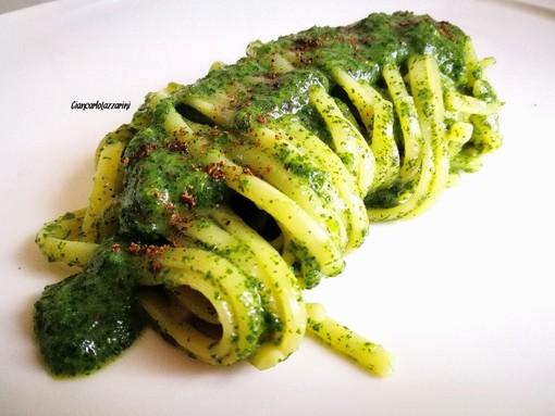 #quarantenasuifornelli - Linguine risottate con pesto d'ortica