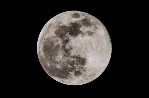 Stasera 10 gennaio lo spettacolo della prima eclissi di Luna del 2020