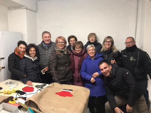 Gattinara: il Natale si avvicina...e la comunità prepara gli addobbi FOTO