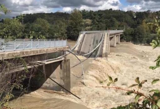 """Romagnano: la lotta con l'alluvione non è ancora finita. Il sindaco: """"Massima attenzione su questione ponte"""""""