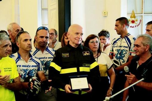 Anniversario Ponte Morandi: la targa donata ai Vigili del fuoco