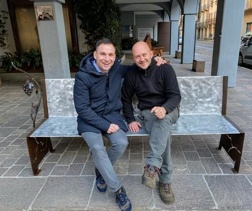 Gattinara: panchina DiVina in piazza Italia