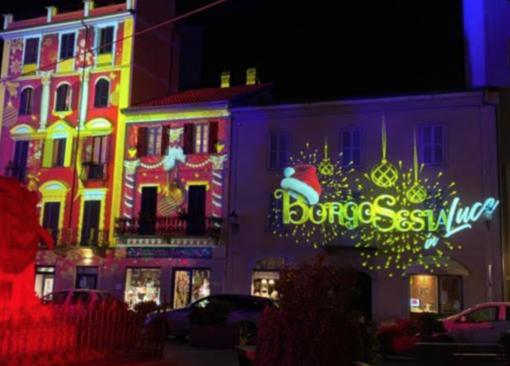 Borgosesia, luci e musica per riapertura dei negozi