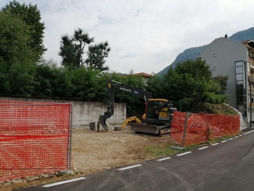 I lavori per il nuovo parcheggio in Via Vecchia per Grignasco