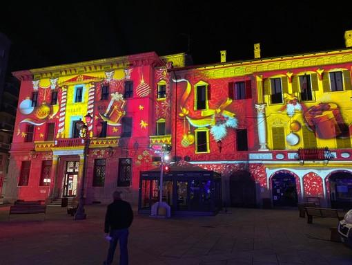 Borgosesia si illumina con le luci 3D dedicate al Natale FOTOGALLERY