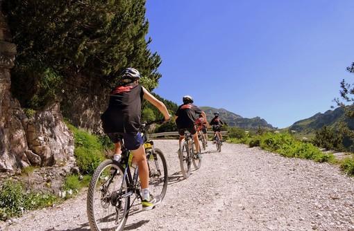 Valsesia: un corso professionale per diventare accompagnatore cicloturistico