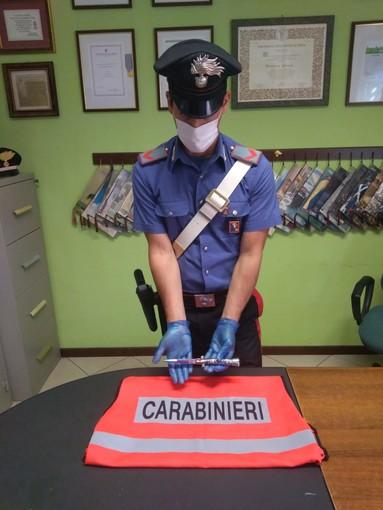 Santhià, tentato omicidio: 27enne accoltella il padre alla gola