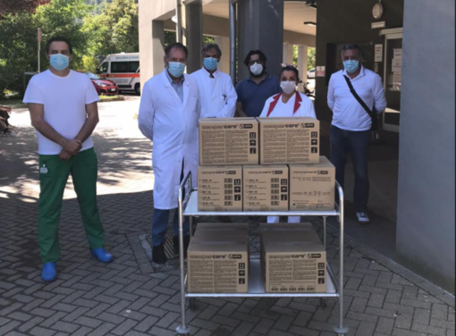 Dal Carnevale di Borgosesia 900 guanti in lattice per l'ospedale