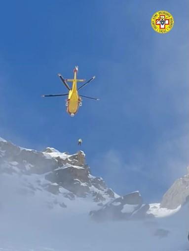 Scialpinista infortunato localizzato dal Soccorso Alpino e condotto in ospedale