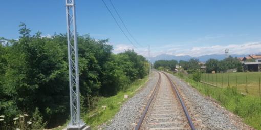 Incidente sulla linea ferroviaria Biella-Santhià, operaio all'ospedale