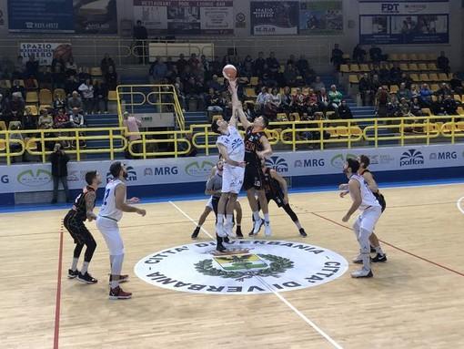 Valsesia Basket espugna la tana dei lupi e vince il derby contro Omegna