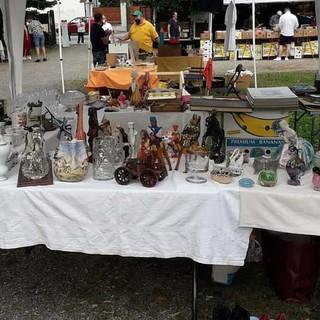 Romagnano: E' tempo di mercatino dell'antiquariato e artigianato