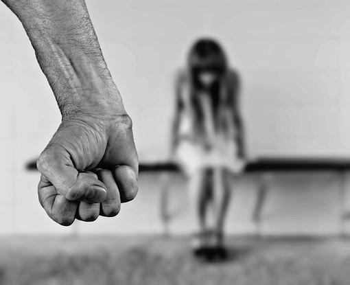 Maltrattava la figlia: arrestato cittadino di origini marocchine