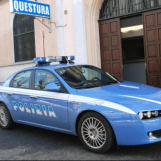 Borgosesia: Spacciatore arrestato dalla Polizia. Droga e bilancino celati in casa