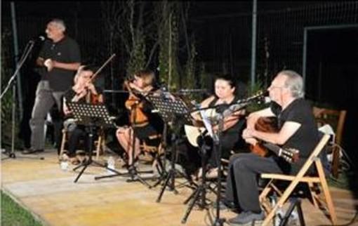 """""""Le donne di Fabrizio"""", i Musici d'estate omaggiano De Andrè a Scopello"""