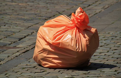 Gattinara, distribuzione sacchetti per la raccolta differenziata e Mascherine