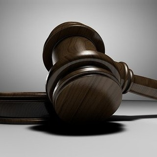 In Tribunale per farsi vaccinare: 17enne vercellese sceglie le vie legali contro la madre